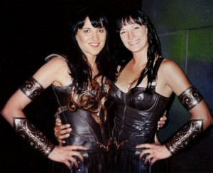 Lucy Lawless (Xena) and Zoe Bell  Image courtesy: ZoeBell.com